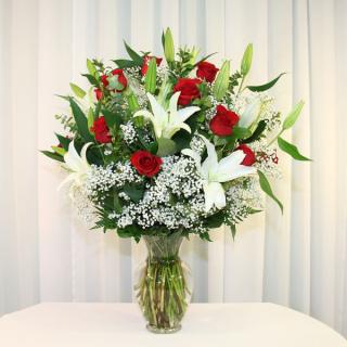 Roses For My Sweetheart With Lilies